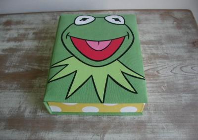 No.12 カエルBOX
